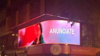La pantalla, a l'avinguda de s'Agaró Foto:EL PUNT AVUI