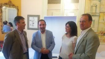 Ramon Espadaler, al centre , amb Montse Surroca, Carles Àlvarez (esquerra) i Manuel Toro ahir a Figueres. Foto:UNIÓ DEMOCRÀTICA