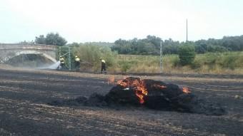 El foc a Mollet va tenir lloc en un terreny situat a l'altura del quilòmetre 21 de la C-66 Foto:BOMBERS