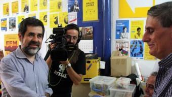 El president de l'ANC, Jordi Sànchez, diposita el seu vot Foto:ACN