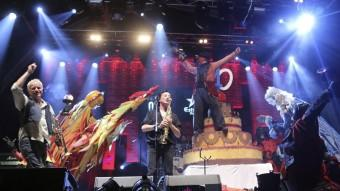 La Dharma i Comediants, ahir al Canet Rock Foto:QUIM PUIG