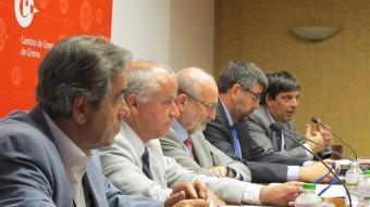 Representants de la Cambra i del BBVA en el moment de presentar l'informe. Foto:EL PUNT AVUI
