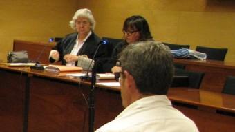 L'acusat , davant del tribunal que el va jutjar, ahir a l'Audiència de Girona Foto:Ò. PINILLA