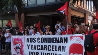 Una protesta de representants sindicals el passat mes de juliol davant els jutjats penals de Tarragona Foto:Azahara Palomares