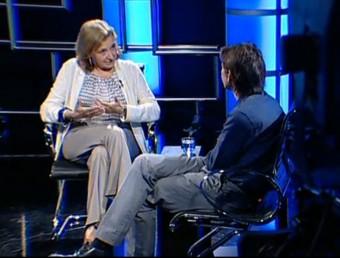 Neus Figueras talking to Neil Stokes on El Punt Avui TV. /  Foto:ARCHIVE