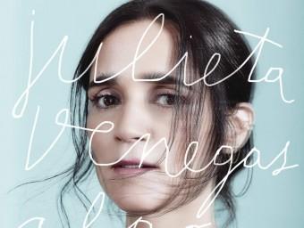 Julieta Venegas, a la portada del seu últim disc, 'Algo sucede' Foto:DORIAN ULISES