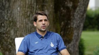 """Víctor Sánchez es va convertir aquesta setmana en el tercer capità de l'equip. """"És un orgull, aquest és un club molt gran i amb història. És una responsabilitat més però l'agafo amb l'intenció d'ajudar al grup en tot el que calgui"""". Foto:F.CASALS"""