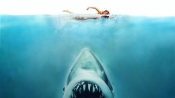 Imatge del cartell de 'Tiburón' dels anys 70. Spielberg va patir molt per rodar la pel·lícula, però va aconseguir el primer d'una llarga llista d'èxits Foto:UNIVERSAL