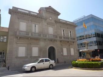 La Senyera tornarà a onejar al davant de l'Ajuntament abans de la Diada vinent Foto:R.E