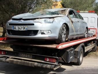 L'automòbil Citroën C5 en què circulaven tres membres d'una mateixa família, de nacionalitat francesa Foto:TÀNIA TÀPIA (ACN)