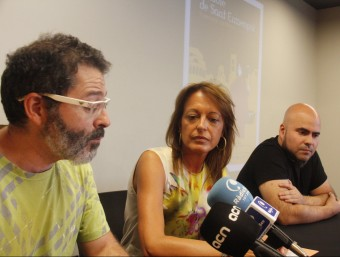 D'esquerra a dreta Jesús Galindo, Anna Vives i Joan Hernàndez en la presentació. Foto:ACN
