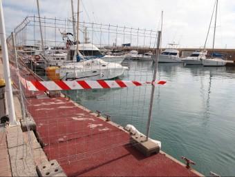 Imatge de la provisionalitat que es veu en alguns punts del port. Foto:JUDIT FERNÁNDEZ