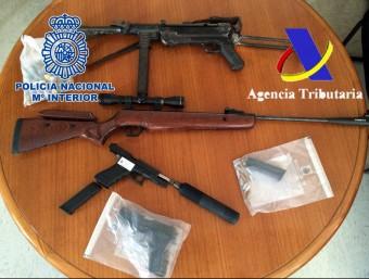 Les armes intervingudes en els escorcolls practicats el mes passat Foto:CNP / AGÈNCIA TRIBUTÀRIA