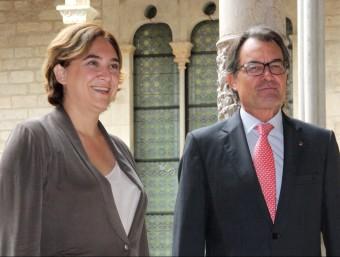 Ada Colau rebuda per Artur Mas, abans de la seva primera reunió de treball al Palau de la Generalitat Foto:ACN