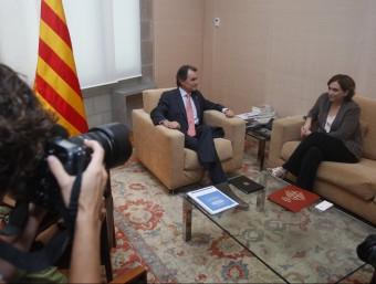 Mas i Colau , al principi de la reunió mantinguda ahir al matí al Palau de la Generalitat oriol duran