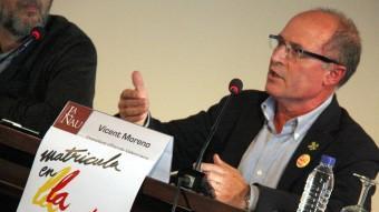 Vicent Moreno en una conferència sobre la campanya d ematriculació. Foto:ACN