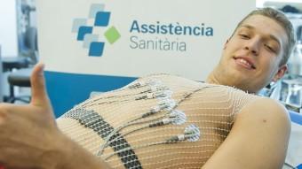 Vezenkov, fa dies, passant la revisió mèdica Foto:V. SALGADO / FC BARCELONA