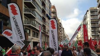 Concentració d'Intersindical Valenciana a favor de la recuperació de drets laborals.