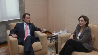 Els dos polítics, durant la trobada que van mantenir dijous al Palau de la Generalitat Foto:ORIOL DURAN