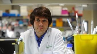 El gironí Marc claret, és investigador del laboratori d'Investigacions Biomèdiques August Pi i Sunyer de Barcelona.
