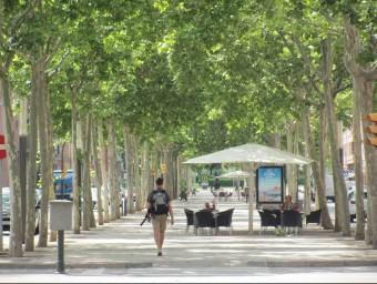 El tram central de la rambla Xavier Cugat de Girona que ara es reformarà en la primera fase del projecte Foto:D.V