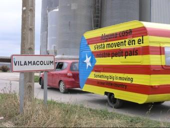 Caravana que va servir per publicitat la primera edició dels debats organitzats per Rius de Llibertat. Foto:EL PUNT AVUI