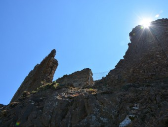 Una imatge del mur nord del castell de Montsoriu, que serà restaurat el 2016 Foto:EL PUNT AVUI