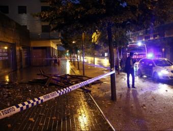 L'aigua, la pedra i el vent van causar estralls importants en diversos punts de Lleida, com el de la imatge Foto:ACN