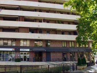 La consulta estava a l'entresòl del número 2 del carrer Mestre Francesc Civil Foto:A. VILARRUBIAS