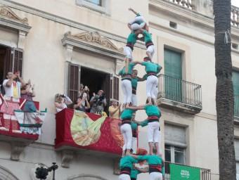 La torre de 9 , que els Castellers de Vilafranca van completar a Vilanova i la Geltrú, va ser el primer castell de gamma extra d'un mes d'agost que promet emocions molt fortes i que culminarà amb la diada de Sant Fèlix Foto:JUDIT FERNÁNDEZ
