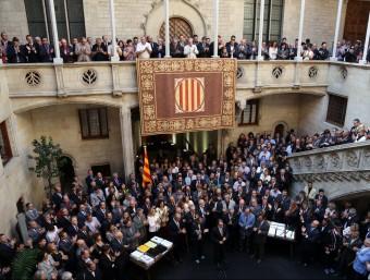 L'acte que es va fer al Palau de la Generalitat amb els alcaldes dels municipis que van aprovarla moció en defensa del dret a decidir, el 4 d'octubre de l'any passat Foto:QUIM PUIG
