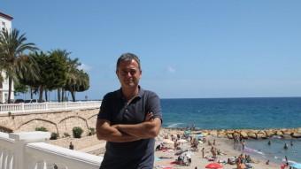 jordi Gaseni a una de les emblemàtiques platges de l'Ametlla de Mar. Foto:EMMA ZAFÓN