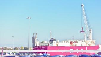 La terminal portuària ha manipulat gairebé el doble de vehicles enguany, en comparació amb el 2014 Foto:EL PUNT AVUI