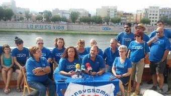 Membres de la PDE, ahir a la vora del riu Ebre a Tortosa. Foto:Ò.M.J