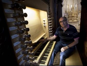 Jordi Vergés, organista de la catedral de Tarragona, oferirà el concert conjuntament amb la grallera Roser Olivé Foto:J.C. LEÓN