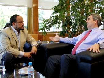 Alejandro Fernández, durant la reunió amb el president del CSD Foto:EL PUNT AVUI
