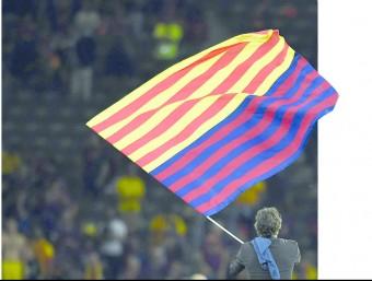 Luis Enrique va plantar la bandera amb els colors blaugrana i de la senyera a l'Olympiastadion de Berlín el passat 6 de juny reuters Foto:REUTERS