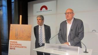 El conseller de la Presidència, Francesc Homs, i el vicepresident segon del Parlament, Lluís Maria Corominas, durant la presentació dels actes de la Diada Foto:EUROPA PRESS