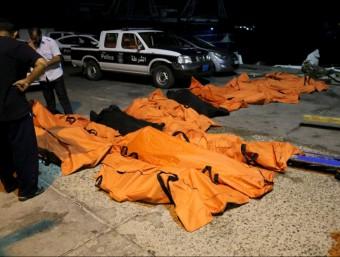 Diversos cossos d'immigrants morts a les costes de Líbia Foto:REUTERS