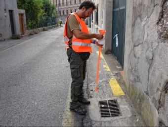 Imatge del tractament que s'ha hagut d'aplicar en diversos punts de la ciutat. Foto:ELPUNTAVUI