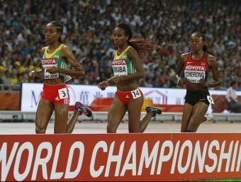 Ayana , en els 5.000 m, va imposar un ritme impossible per a les seves rivals Foto:REUTERS