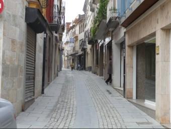 Imatge d'arxiu d'un dels carrers del centre de Tordera, la zona on s'hi està actuant per evitar que el comerç local desaparegui. Foto:T.M