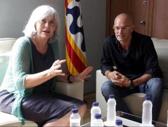 L'alcaldessa de Badalona, Dolors Sabater, reunida aquest dimarts amb el número 1 de Junts pel Sí, Raül Romeva Foto:ACN
