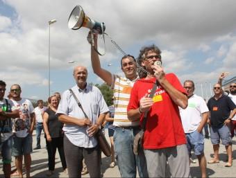 Joan Carles Gallego, secretari general de CCOO, amb la plantilla de Valeo, dijous Foto:ACN