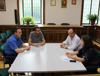 Els alcaldes aranesos reunits ahir per abordar els problemes de subminstrament de la telefonia Foto:ACN
