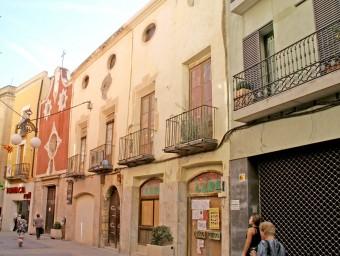 L'edifici medieval de Ca Padró, al centre, té molts elements arquitectònics patrimonials que s'hauran de conservar Foto:J.L.E