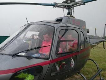 Purito, amb Losada a darrera, van fer el trasllat Castelló-Andorra amb helicòpter Foto:KATUIXA