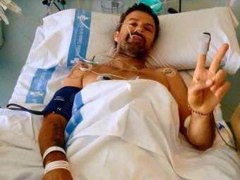Pau Donés, després de la intervenció d'un càncer de còlon en una foto que ha penjat a les xarxes socials. Foto:EP