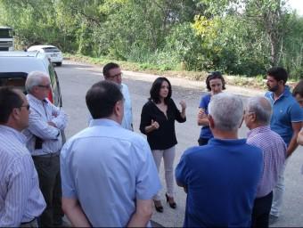 Reunió de Rebeca Torró amb llauradors i empresarisa la vora del Barranc. Foto:CEDIDA