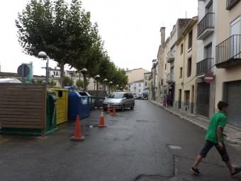 La part de la plaça de les Rodes que es reformarà aquesta tardor, ahir al matí. Foto:R. E